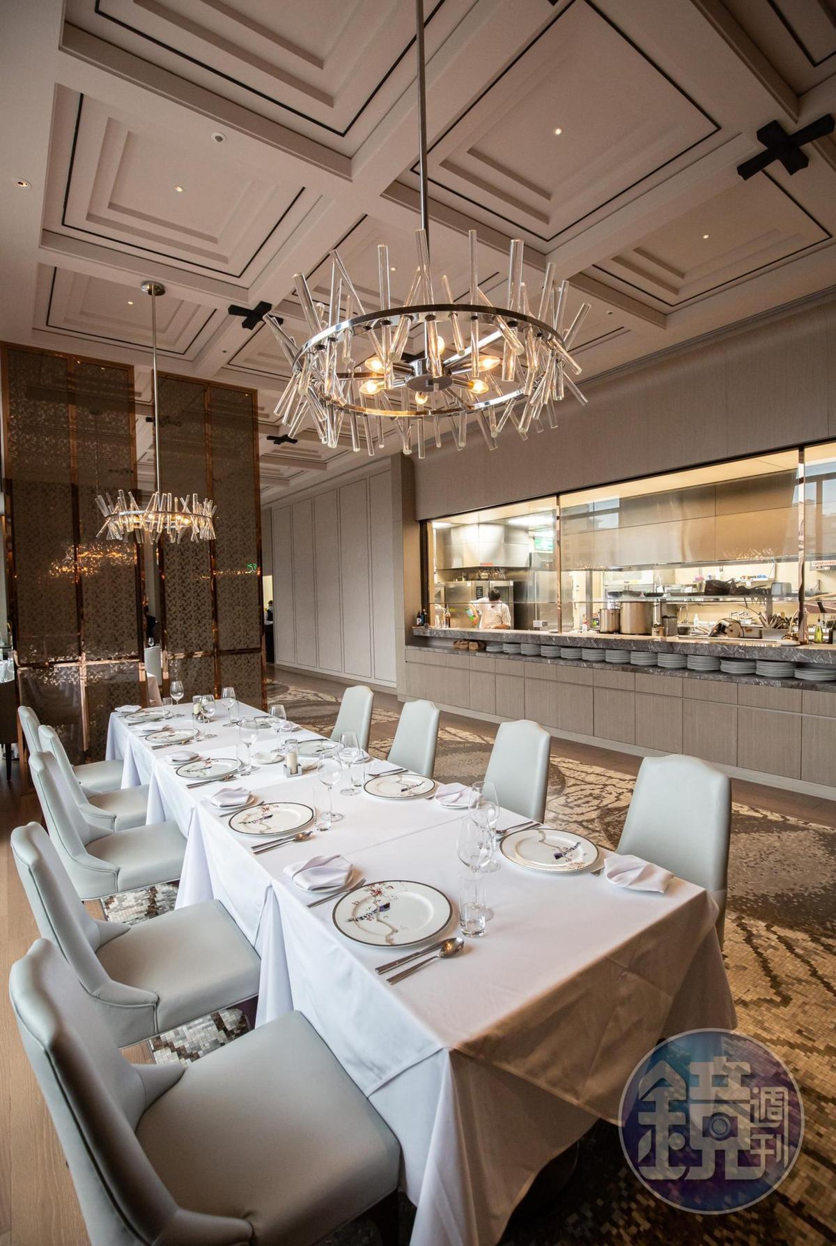 Chef's  Table享有欣賞主廚烹飪的最佳視野。