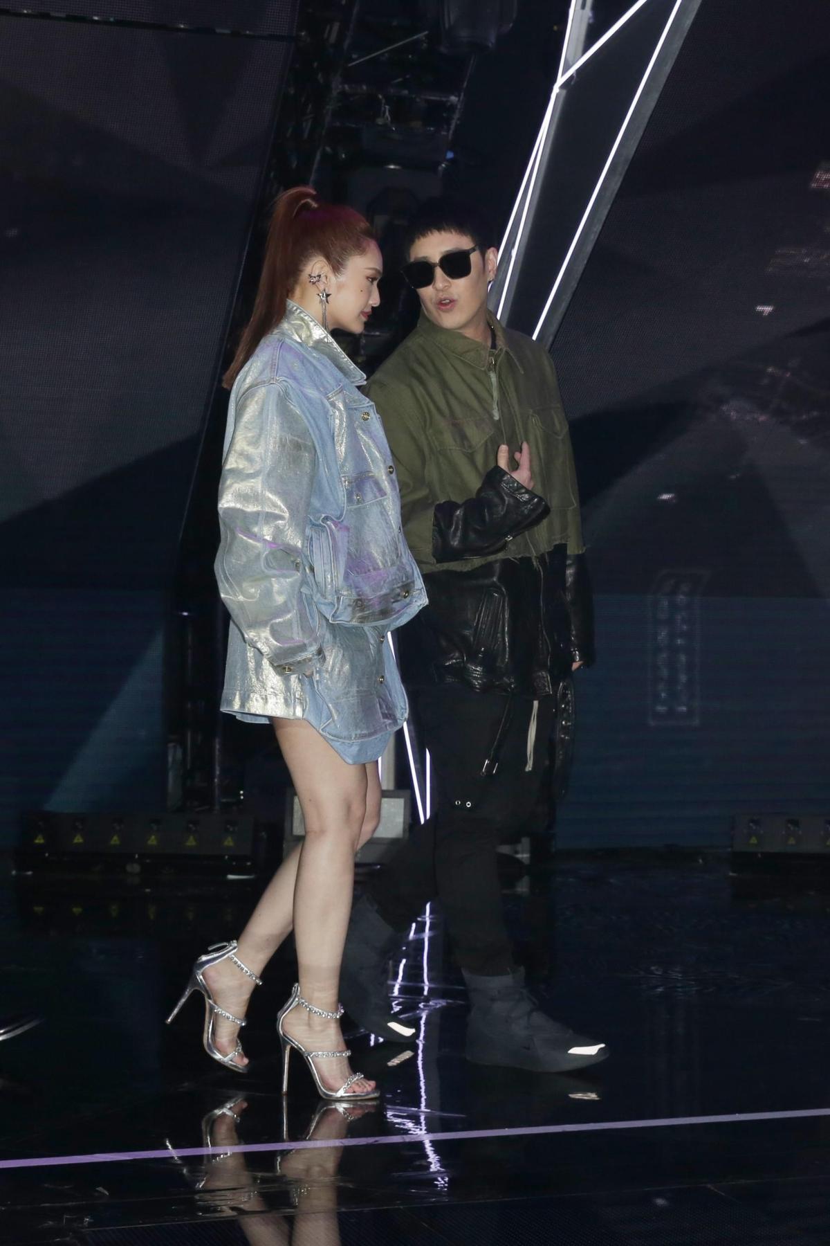 導師楊丞琳和潘瑋柏自曝這個節目是兩人的減肥史,竟分別瘦了6公斤和8公斤。
