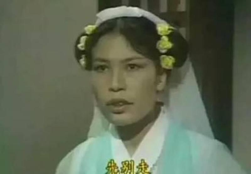 余慕蓮入行逾40年,在香港娛樂圈有「最醜女星」封號。(翻攝自微博)