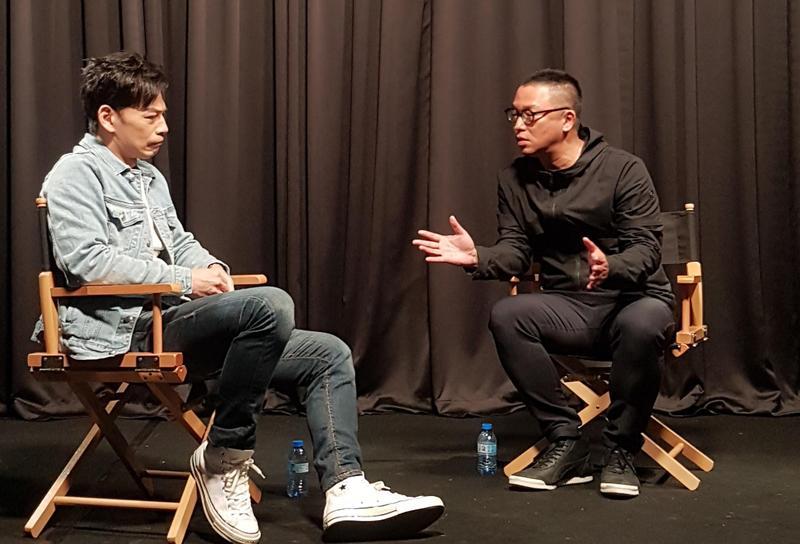 「導演與導演對談」系列影片之一,由沈可尚(右)與林暐恆(左)就電影《練愛iNG》展開對談。(中華民國電影導演協會提供)