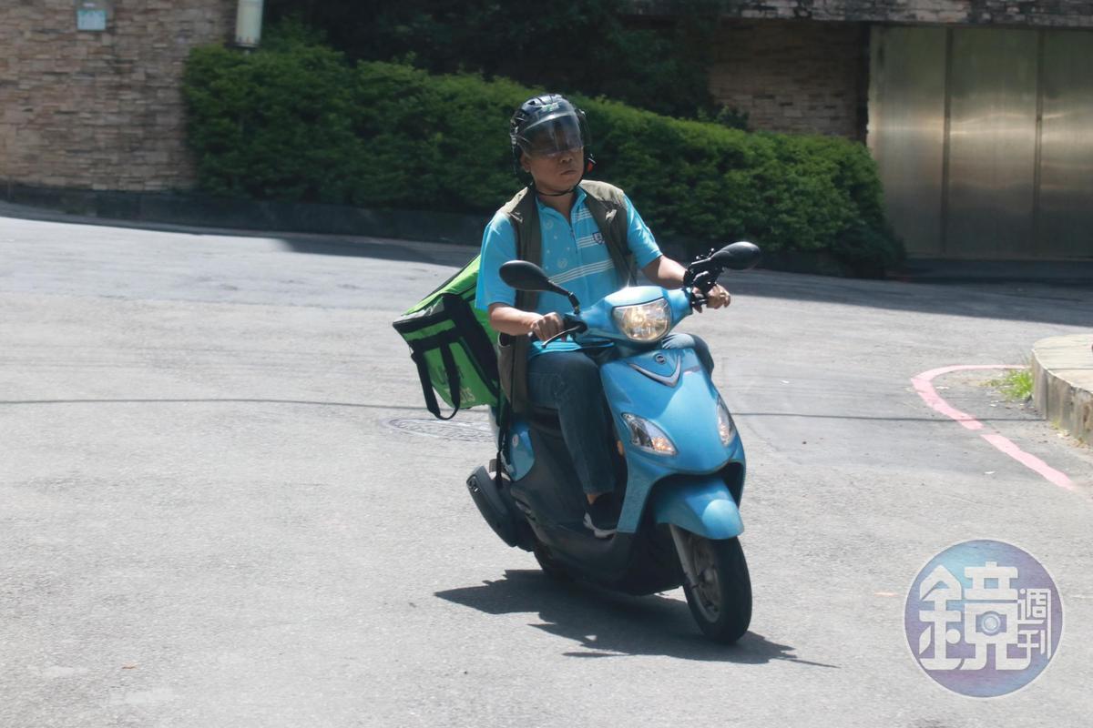 6月24日張益贍一樣一早騎車出門。