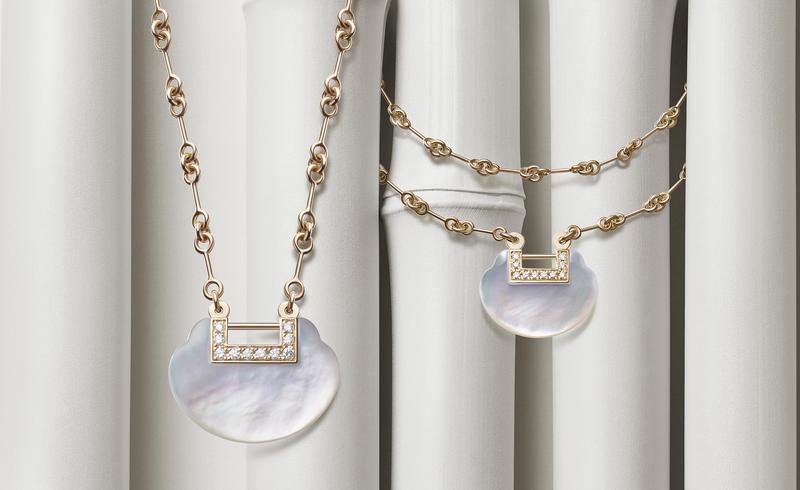 Qeelin Yu Yi珍珠母貝系列將來自中國古代精緻的如意鎖賦予現代風格。(Qeelin提供)