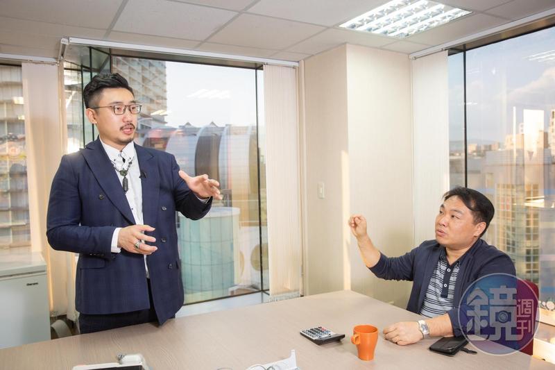 吳榮和(右)很讚賞執行長張佑承(左)的行銷策略和執行力,也邀他當愛上新鮮的共同創辦人。