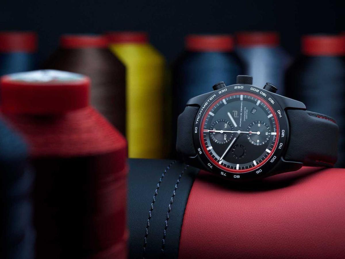 客製化的保時捷腕錶可以採用愛車的材料和顏色,以及皮革和裝飾縫線的類型。