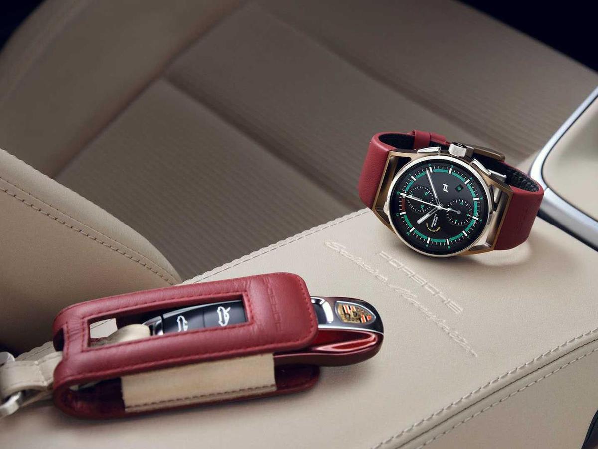 除了腕錶外,其他周邊配件也可以一起訂製,搭配出專屬個人的時尚氛圍。