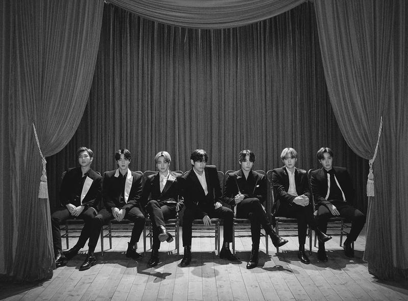 韓團BTS防彈少年團首度為日本電影製作並演唱主題曲。(環球唱片提供)