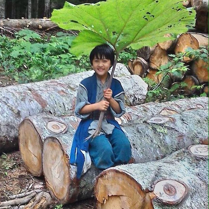 小林颯曾獲邀演出NHK的《精靈守護者》。(翻攝小林颯Instagram)