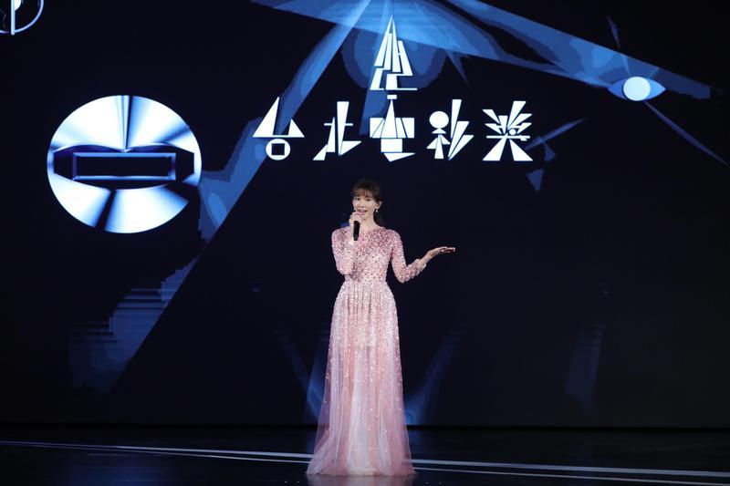 好久沒亮相的林志玲,無預警出現在台北電影獎擔任開場引言人,成為典禮最大的彩蛋。(台北電影節提供)