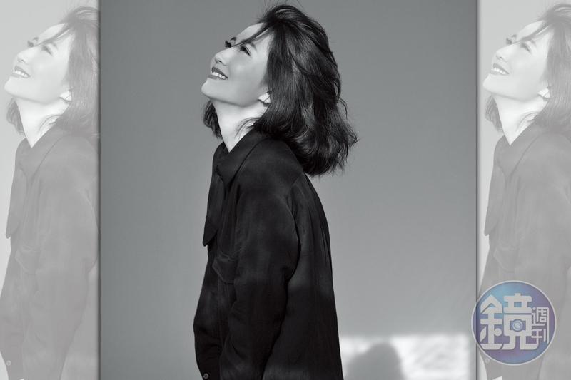 謝忻回顧這一年,「仇恨、害怕、失望、恐懼…全部該經歷的我都經歷了。」一直在面對自我恐懼的她,如今可以為自己而笑。