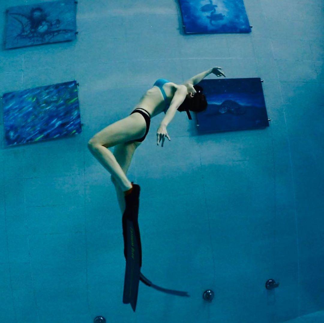 謝忻去年開始學自由潛水,今年也通過level 1的考試。(翻攝自謝忻IG)