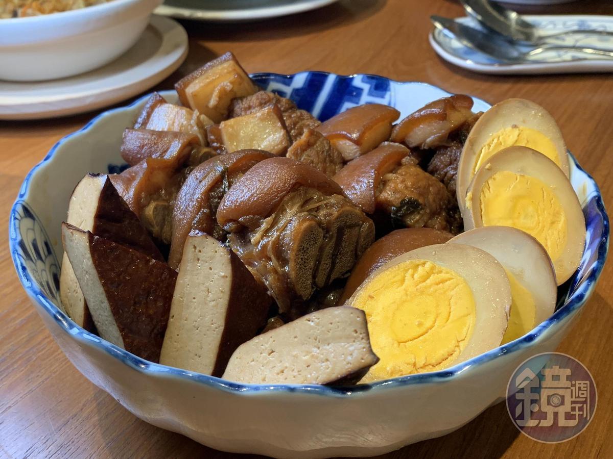 「紅燒滷肉/豬小排/豬腳圈」會讓人多嗑幾碗白飯。(4人套餐菜色)
