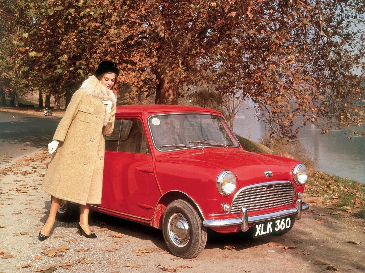 Mini的緊緻設計一方面是為了適應英國的狹小道路,另一方面則是為了降低成本與容易大量生產。