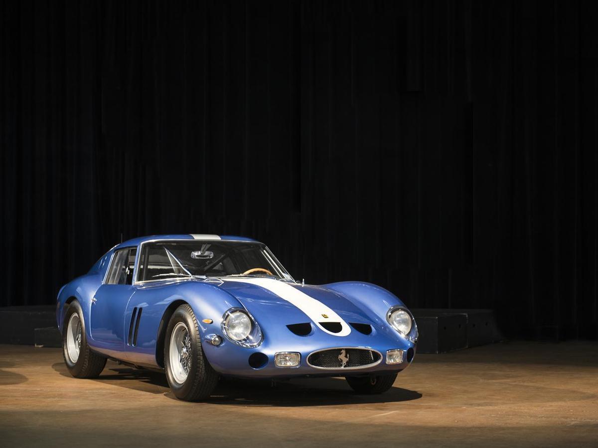 總數36輛的250 GTO為全手工打造,所以沒有2輛是完全一樣的,甚至有些車的左右車門長度也因為手工製造而有所差異。