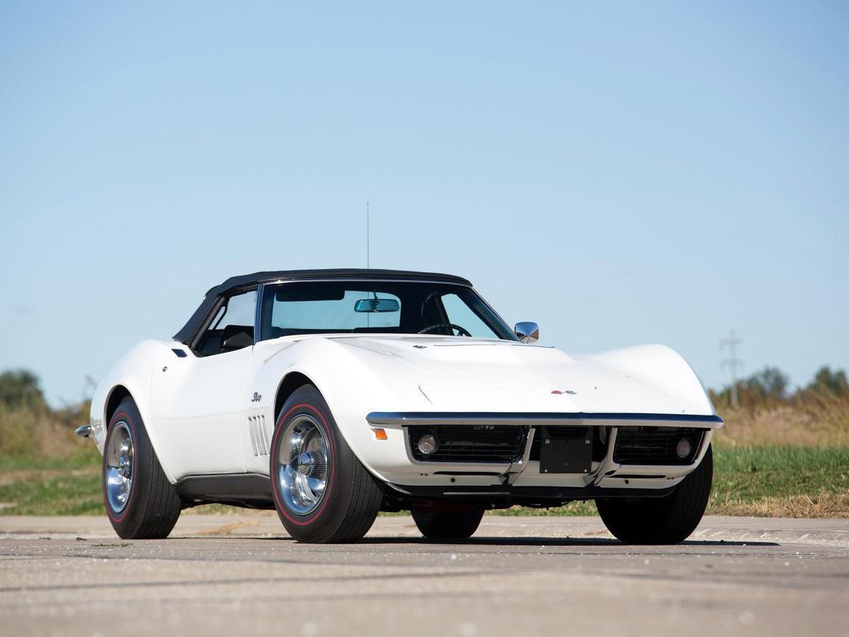 C3是Corvette的第三代車款,也是Corvette車系中壽命最長的一代,自1968年起達14年之久。
