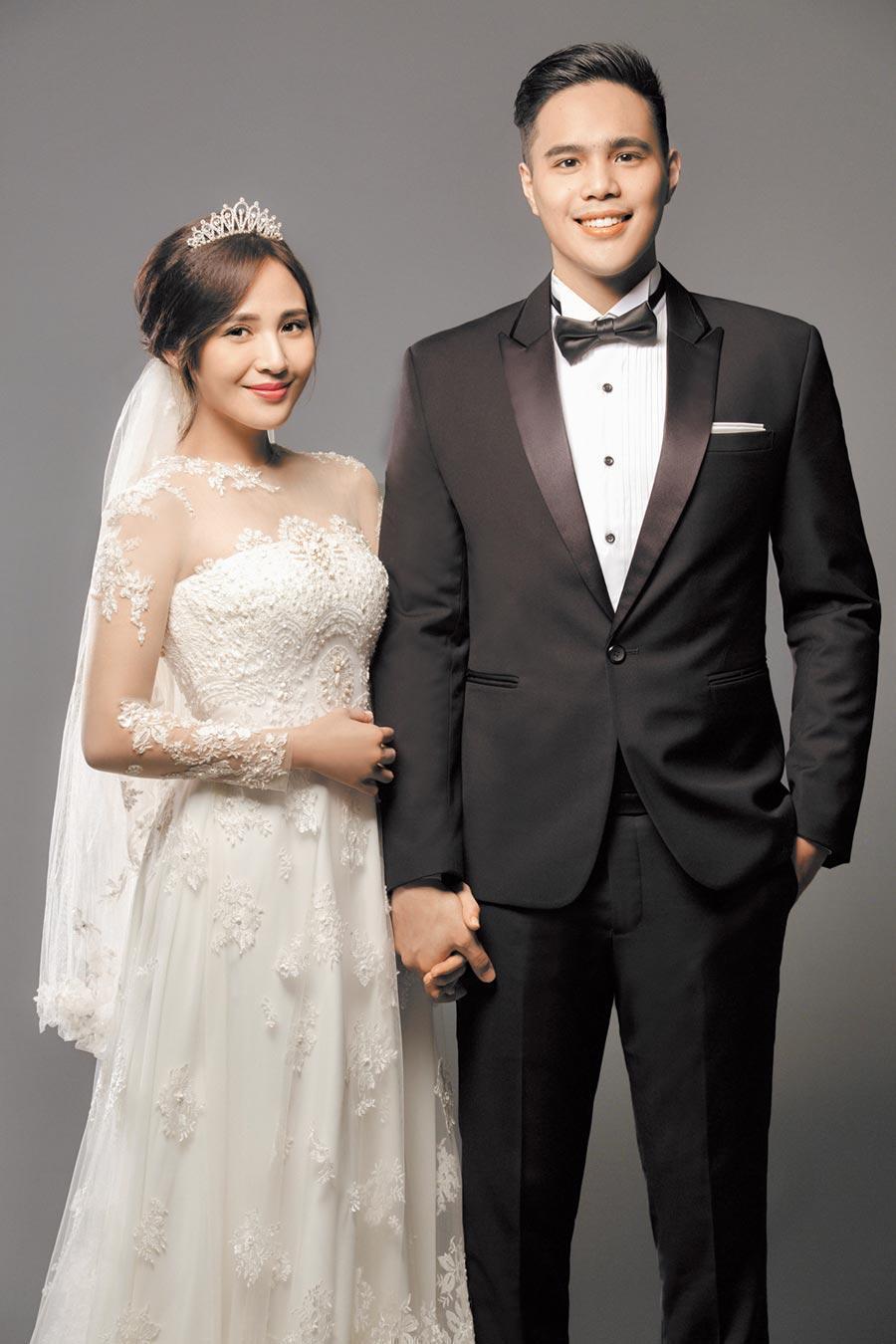 梁文音(左)2016年與張念平(右)完婚,兩人郎才女貌,如今卻驚爆婚外情離婚。(環球音樂提供)
