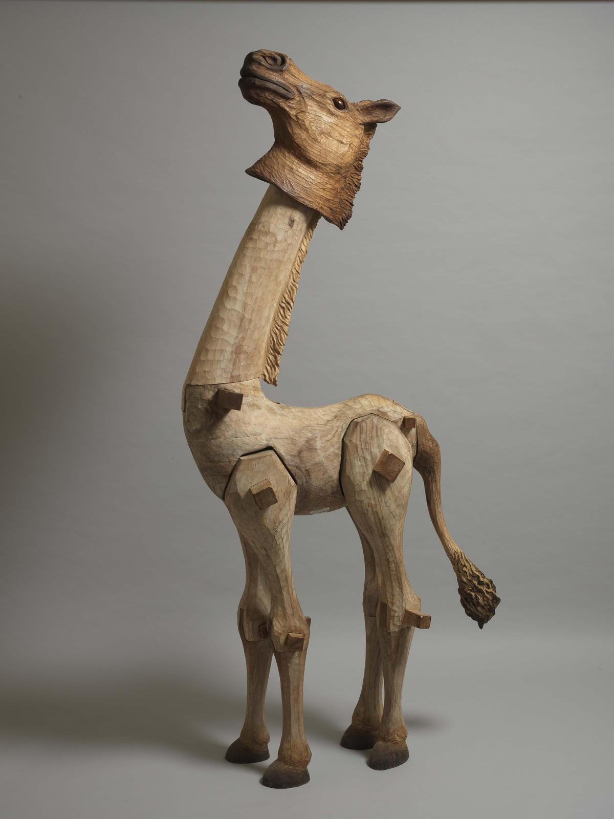 得獎作品《指鹿為馬》現於三義木雕博物館典藏中。