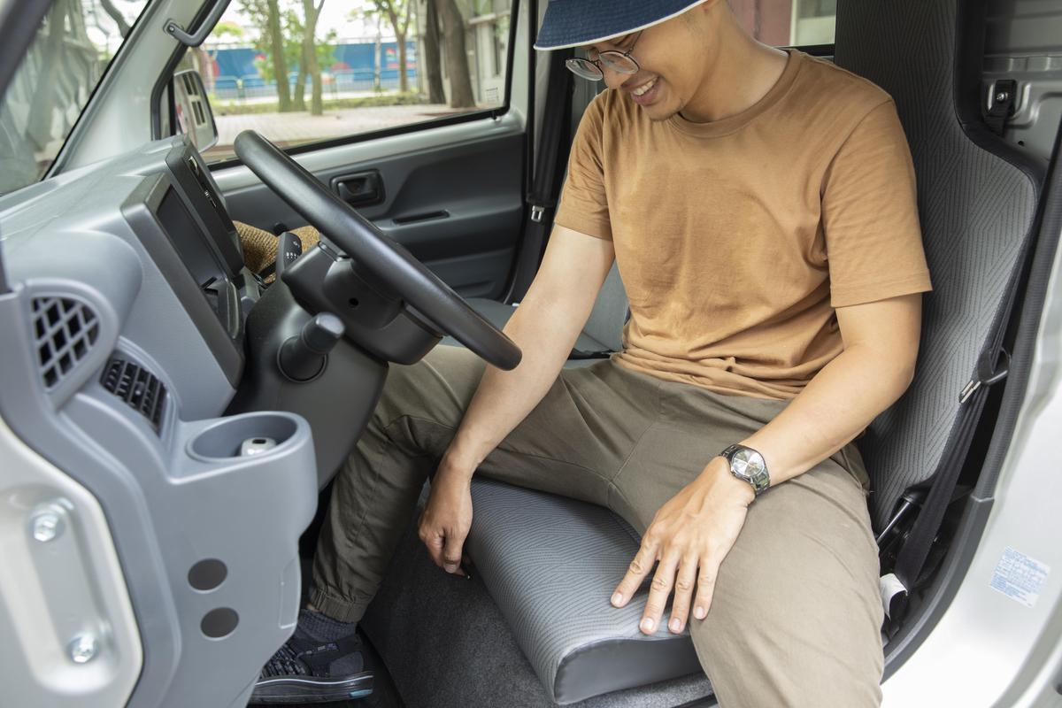 「可滑動駕駛座椅」,簡單卻貼心的設計,絕對能讓頭家會心一笑。
