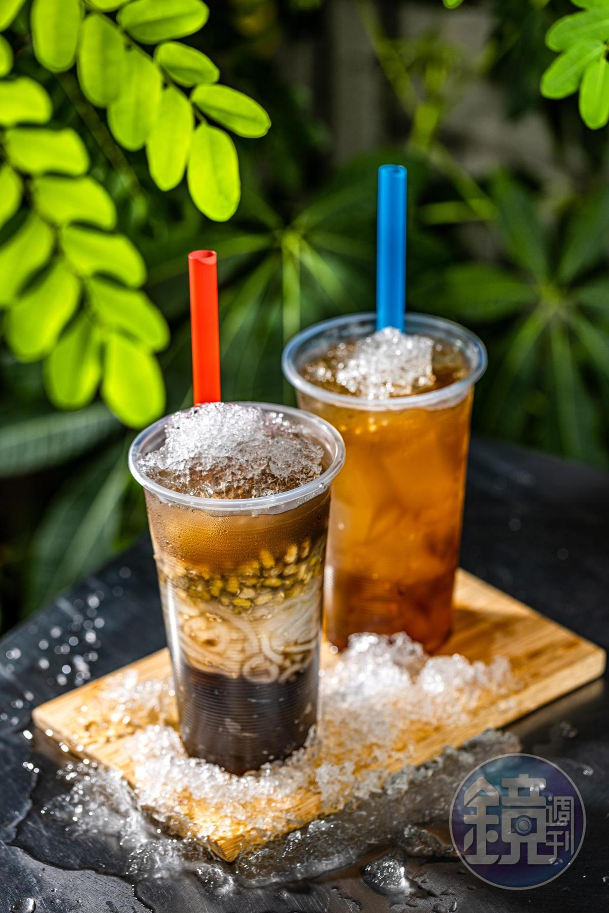 冰品皆可做成用吸管喝的外帶杯,「綠豆粉條仙草」(左)嚼感豐富,「檸檬愛玉」(右)清爽止渴。(皆40元/杯)