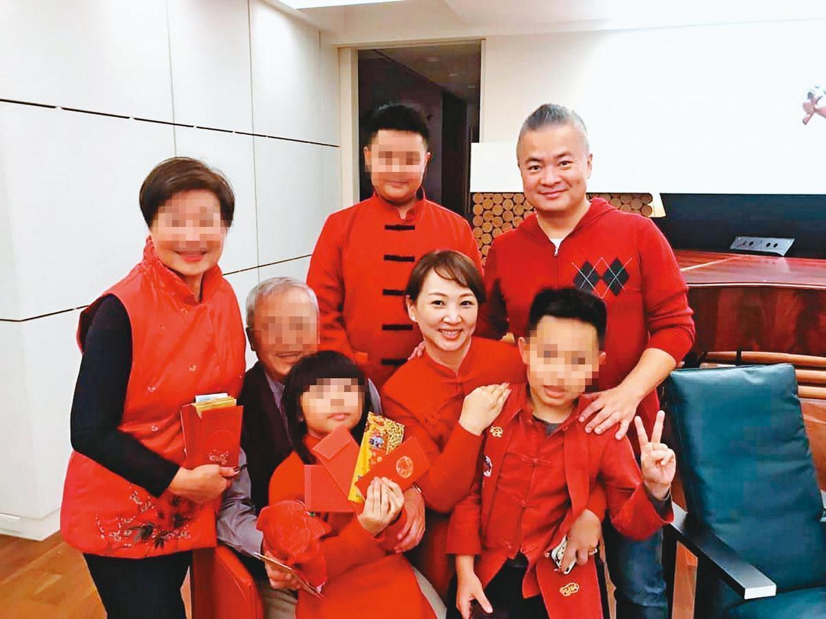郁方2006年嫁給斐儷珠寶總經理陳昱羲,育有2子1女。(翻攝自好門媳婦的秘密生活郁小方臉書)