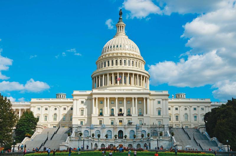 美國國會山莊(圖)不但具國會議事功能,也是熱門旅遊景點,游錫堃希望未來台灣國會也能吸引觀光客參訪。(翻攝unsplash)