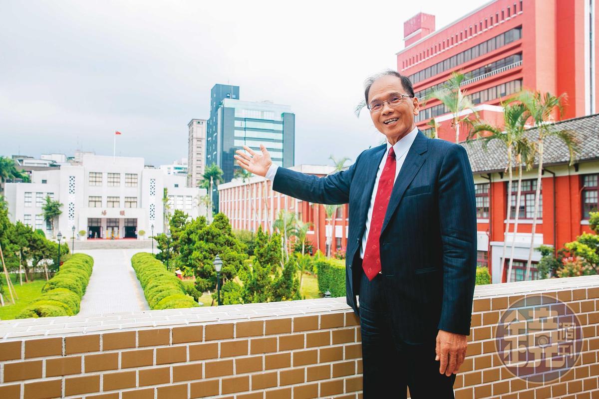 本屆立院受肺炎疫情影響,國會外交暫時停擺,游錫堃希望未來能深化台灣民主同盟,與美、日、歐盟等國加強交流。