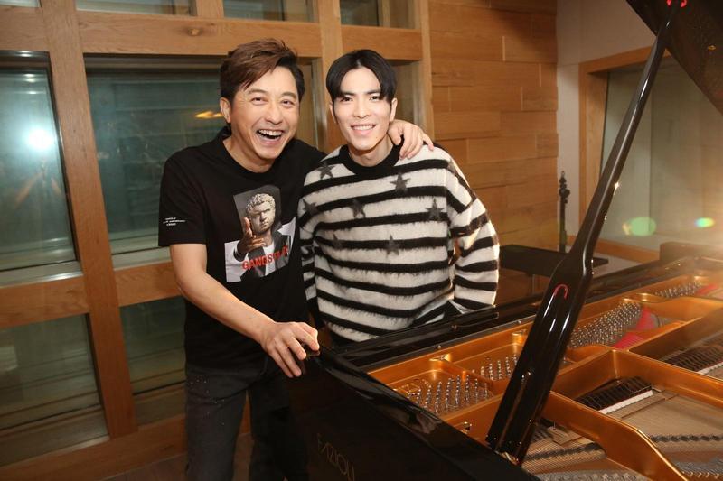 庾澄慶(哈林)新數位單曲〈音樂超氣派〉,邀請「老蕭」蕭敬騰獻聲合唱。(福茂唱片提供)