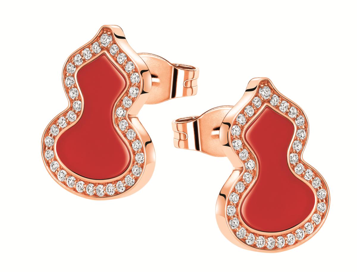 Qeelin Petite Wulu 18K玫瑰金鑲鑽紅瑪瑙耳釘,NT$63,500。(Qeelin提供)