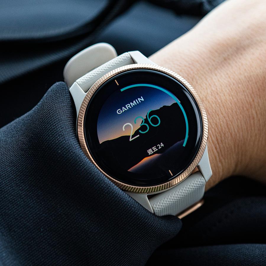 透過GARMIN Connect IQ的應用程式就可以下載專屬動態錶面,也是Venu主打的功能之一,讓錶面具備更多樣化的選擇。