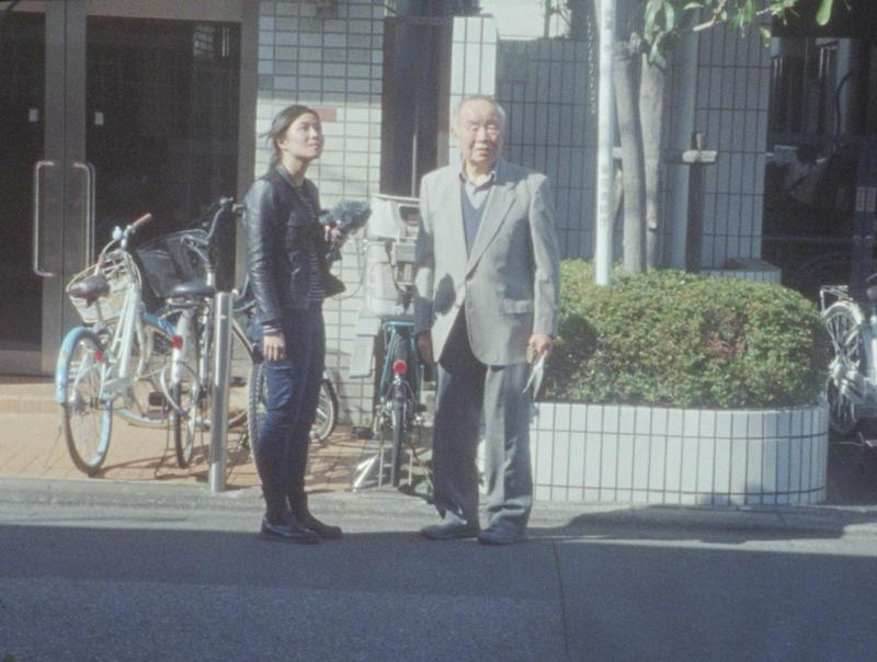 日本出生的林君昵(左)拍片經費吃緊,拍攝《天亮前的戀愛故事》期間還身兼翻譯工作。(林君昵提供)