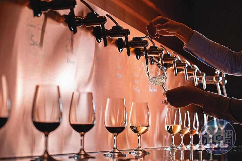非瓶以Wine On Tap的飲酒方式,希望讓葡萄酒搭配餐點能更貼近日常生活。