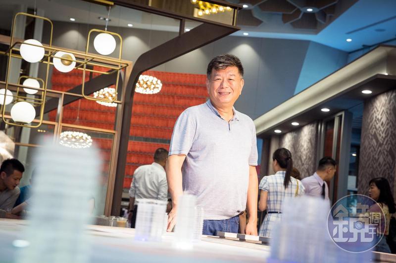 鄭欽天是上市櫃營建股中最年輕的老闆,也是台灣少數推案遍及全台的建商。