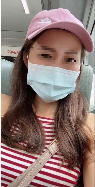 女網友在臉書分享遇到超暖司機給口罩神救援,因外型亮麗掀起關注。(翻攝「爆怨公社」臉書)
