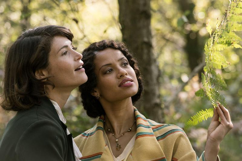 《戀夏時光》描述了一段二戰前的女女禁忌之戀,時空懷舊,卻像對現在及未來更平權多元的寄望。(威視提供)