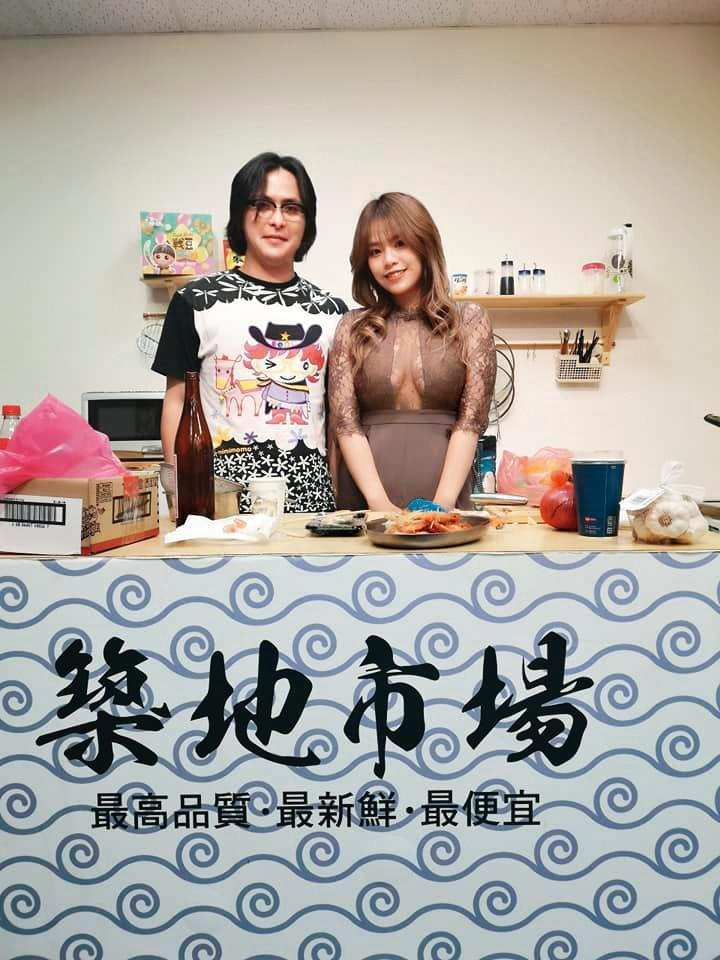 久未在台灣露面的范植偉(左),上月獻出初次直播,賺得2萬元的來賓費,也算是為復出試水溫。(翻攝自范植偉臉書)