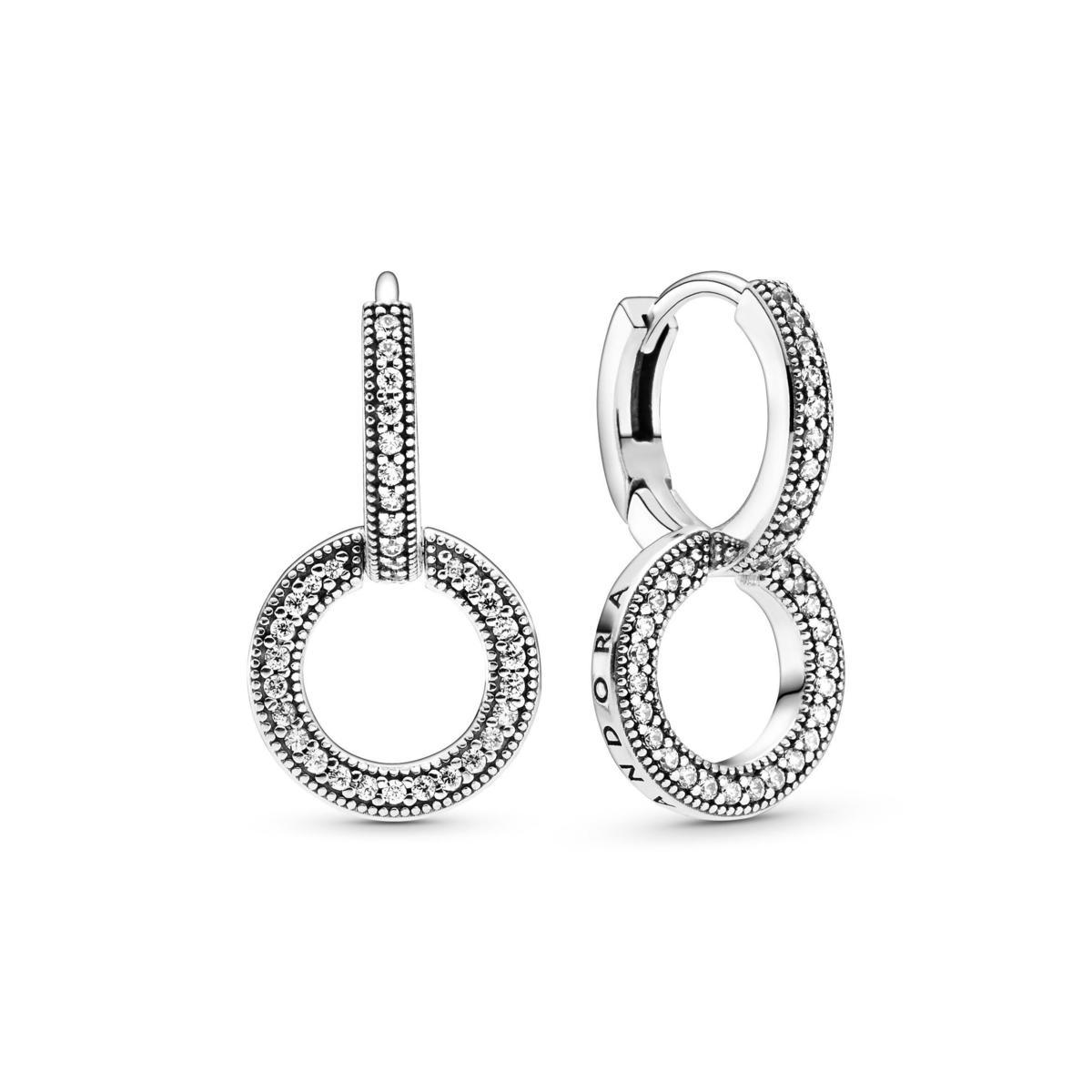 PANDORA Signature 925銀雙圈鋯石耳環。NT$2,880。(PANDORA提供)