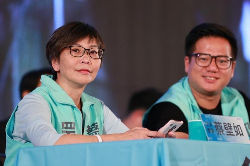 台灣民眾黨今舉行創黨以來首次的黨員大會,有黨員對民眾黨立委蔡壁如開砲,要求下放權力。(民眾黨提供)