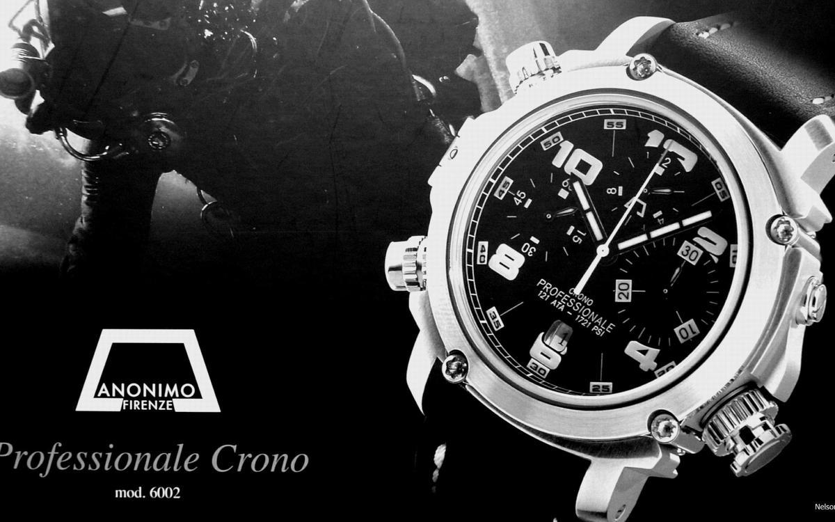 ANONIMO從前的廣告中可以看到面盤上並未打上品牌名稱,而且外型設計相當陽剛,一直都走軍錶風格。