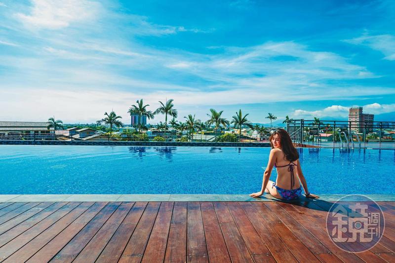 位在6樓的露天「松清泳池」,以無邊際概念設計,享受宜蘭的遼闊視野。