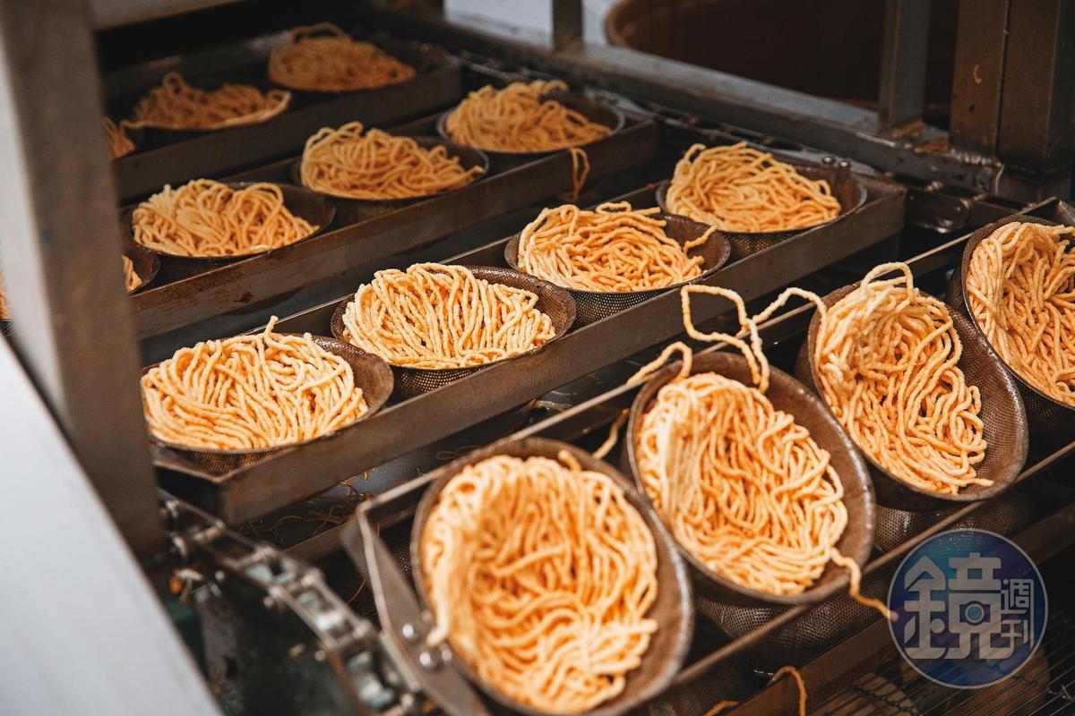 福昇食品的意麵採用全鴨蛋製成,香氣濃郁、麵條久煮不易爛,成本比使用雞蛋高出3成。
