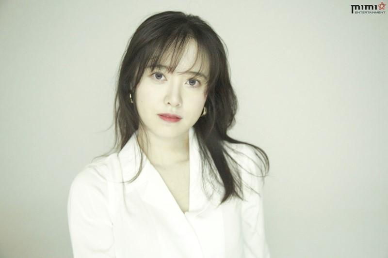 具惠善加入新東家MIMI娛樂,也特地拍了新的宣傳照。(翻攝MIMI娛樂)