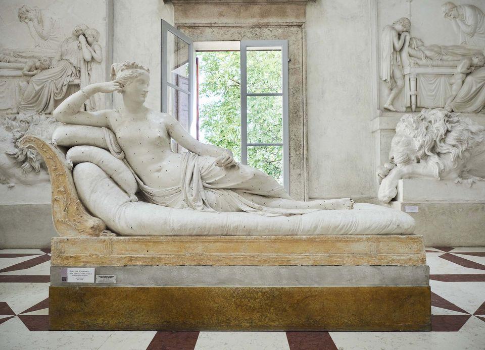 被破壞的是石膏模組,館方和義大利藝界呼籲警方嚴懲。(翻攝Museo Gypsotheca Antonio Canova臉書)