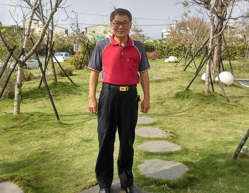 草屯鎮公所課長林炯欽凌晨返家遭撞身亡。(翻攝自林炯欽臉書)