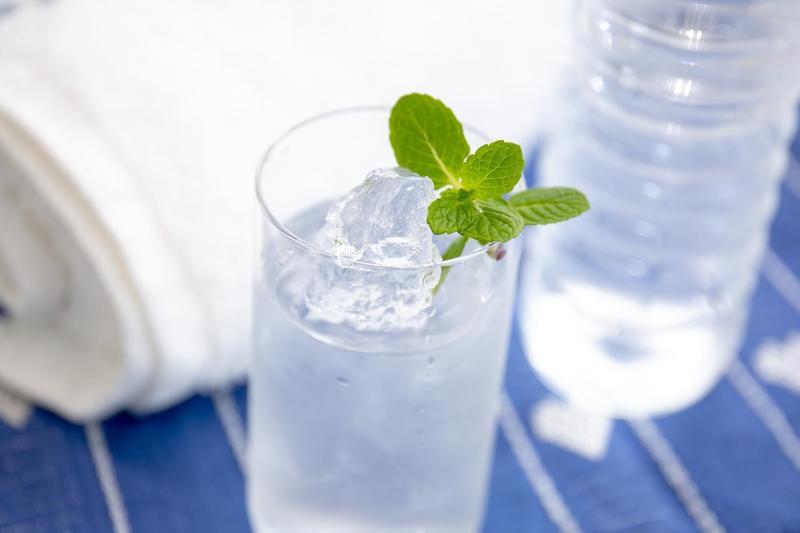 飲用冰水可提升新陳代謝。 (photo-ac)