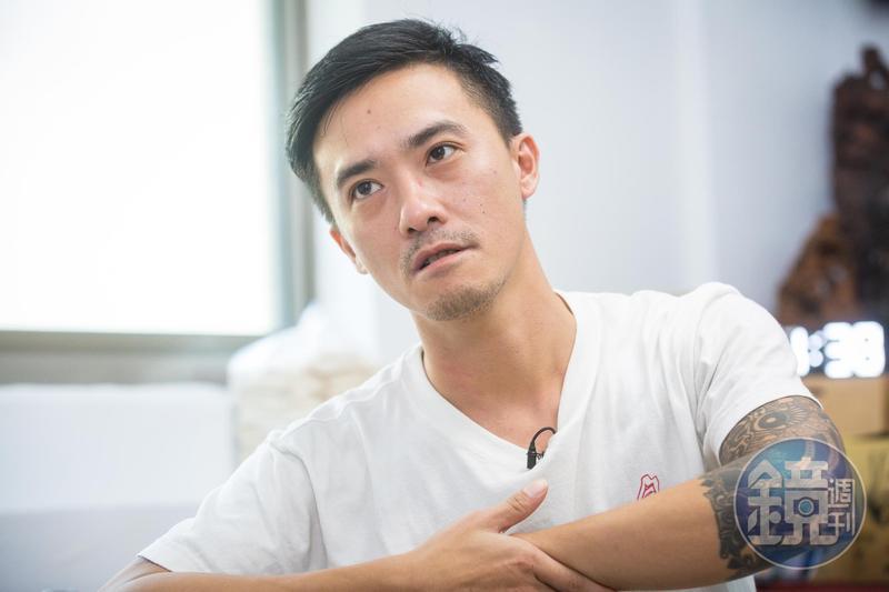 林揚茗高中時一度是讓家人頭痛的壞孩子,後來他結婚生子,漸漸能體會父母的用心,自創品牌「食在福」。