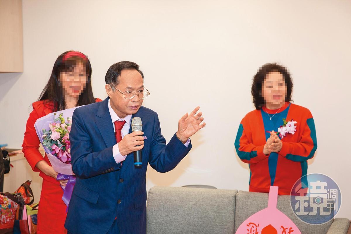 辛筱雯認為,徐浩城看起來古意古意(台語:老實),講台灣國語,口拙又長得不好看,不知道的人和他接觸後,都會以為外界對他的指控只是謠言。