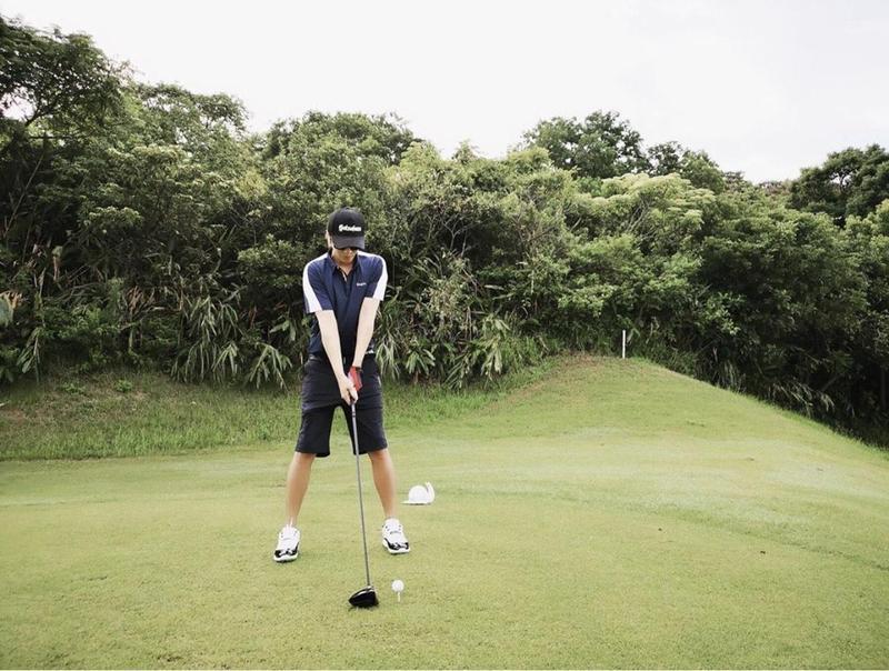 小豬社群網站復出,還上傳了打高爾夫球的照片。(翻攝自羅志祥IG)