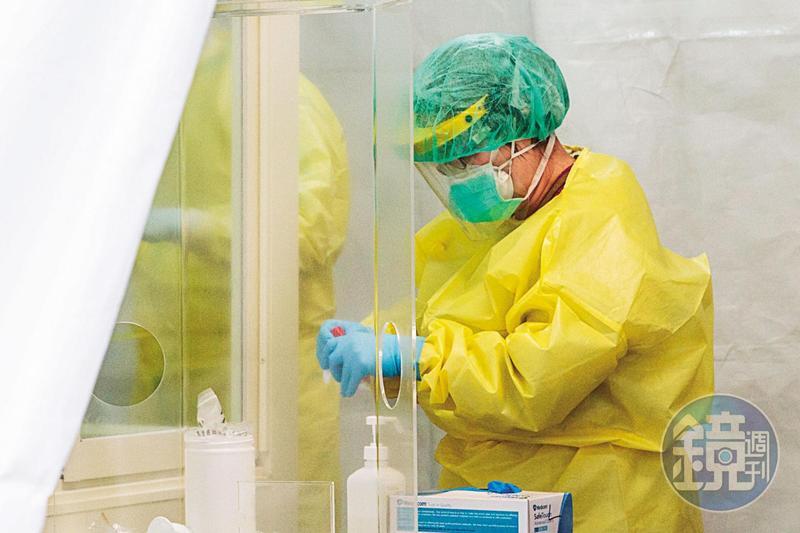 口罩、隔離、核酸檢測這3樣工具可同時並行,但政府始終不願意擴大核酸檢測規模。