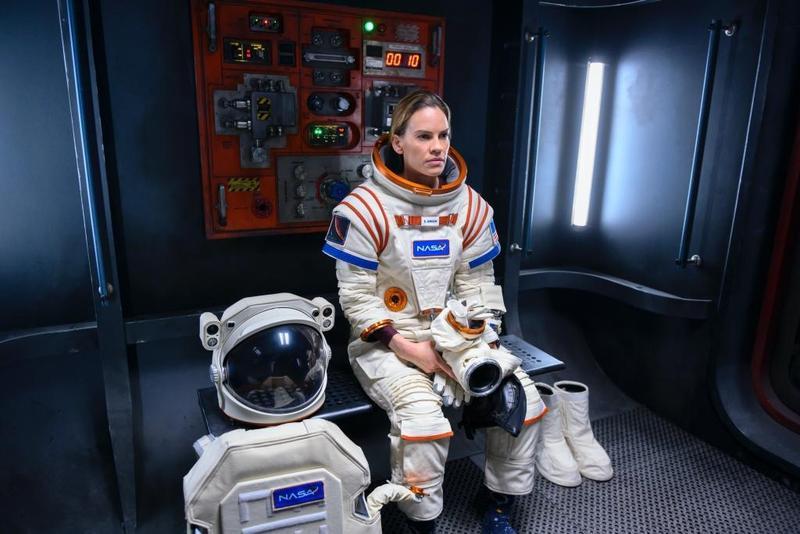 兩屆奧斯卡影后希拉蕊史旺,在《遠漂》成為美國代表,加入火星遠征隊的探險任務,忍受拋夫棄子長達3年的考驗。(Netflix提供)