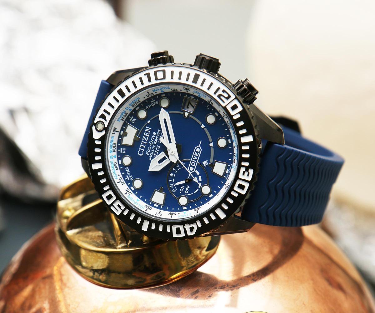 錶徑47mm、超級鈦材質、時間及星期與日期指示、F158 Eco-Drive光動能機芯、防水200米、建議售價NT$ 49,800 (攝影:李宇勝)