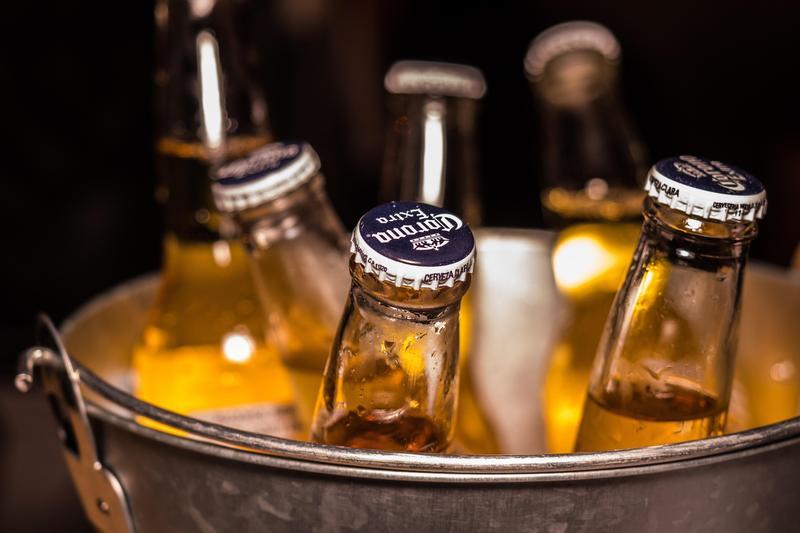 郭姓男子去年喝了8杯啤酒還上路,甚至撞死闖紅燈的廖姓男子。(翻攝自Pexels)